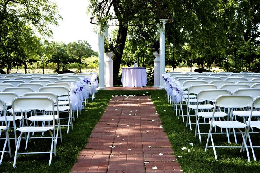 Our Services Grace Vineyards and Wedding Venue  : Chair and gazebo from www.gracevineyards.net size 984 x 655 jpeg 150kB